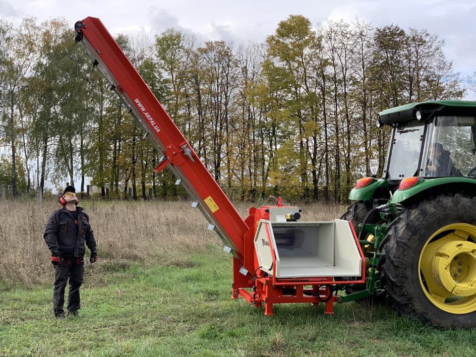 «Арпал» продемонструють на Хмельниччині подрібнювач гілок АРПАЛ АМ-200ТР-К PRO | Битва Агротитанів