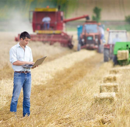 Центр точного землеробства AgriLab випробує ґрунти у двох регіонах Битві Агротитанів! | Битва Агротитанів